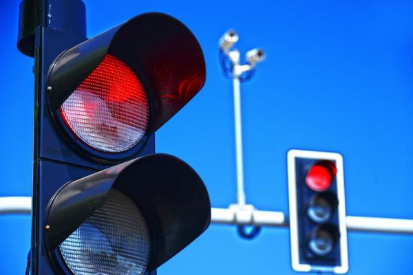 Интересное: Автомобили будут оснащать системами оповещения о нарушении ПДД
