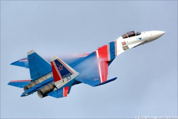 Интересное: Русские витязи на новых Су-35С в Кубинке