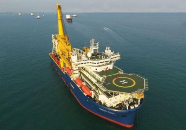 Новости: Трубоукладчик «Академик Черский» идет в Европу в сопровождении российских боевых кораблей