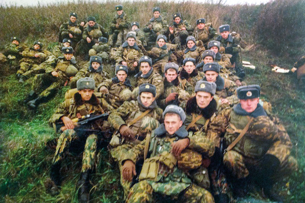 Новости: Путин установил ежемесячную выплату семьям погибших в Аргунском ущелье псковских десантников