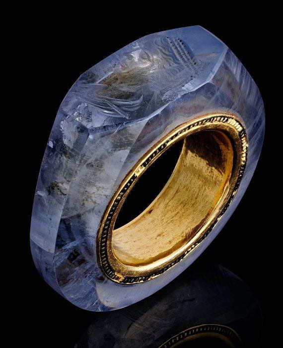 Интересное: Кольцо Калигулы
