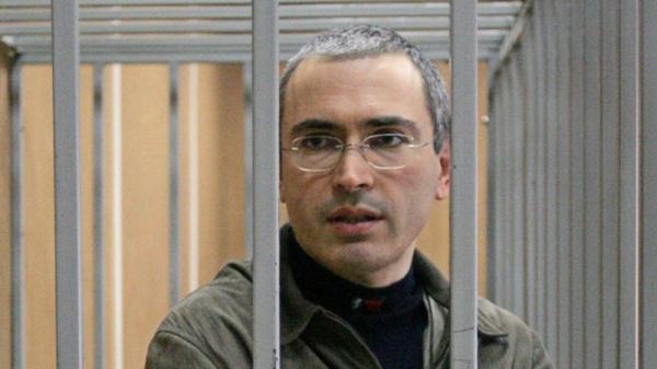 Криминал: Путин назвал Ходорковского жуликом, окружение которого было замешано в убийствах