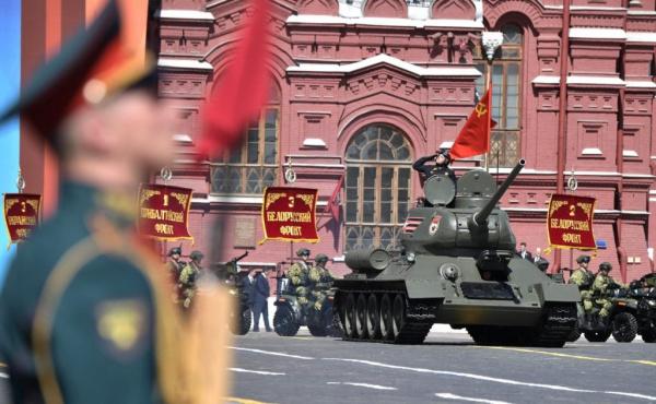 Общество: Парад Победы будет перенесен
