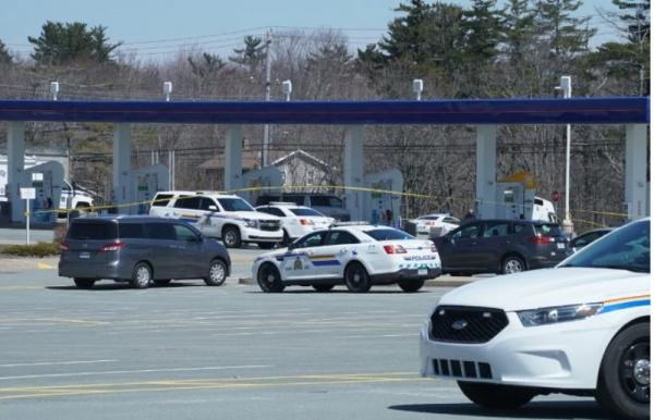 Криминал: По меньшей мере 16 человек погибли после стрельбы в Канаде, и полиция заявляет, что число жертв может возрасти