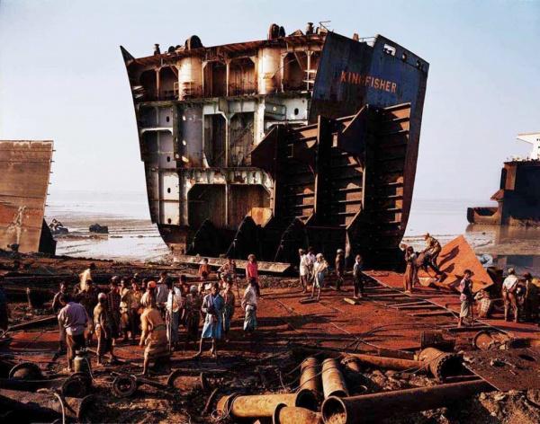 Интересное: Место, где умирают корабли