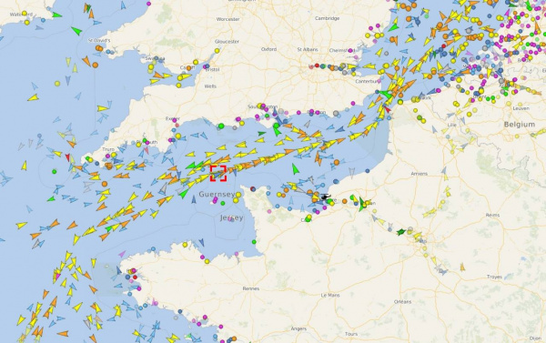 Новости: Трубоукладочное судно «Академик Черский» вошел в Ла-Манш