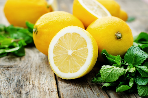 Полезные советы: Когда лучше воздержаться от лимона, имбиря, лука и чеснока