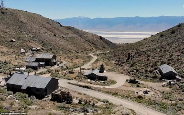 Страны: Американский миллионер купил себе город-призрак и застрял в нем из-за коронавируса