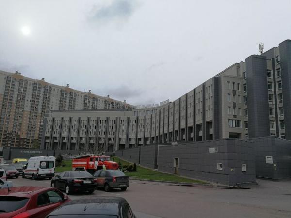 Происшествия: В Петербурге загорелась больница Святого Георгия, пять человек погибло