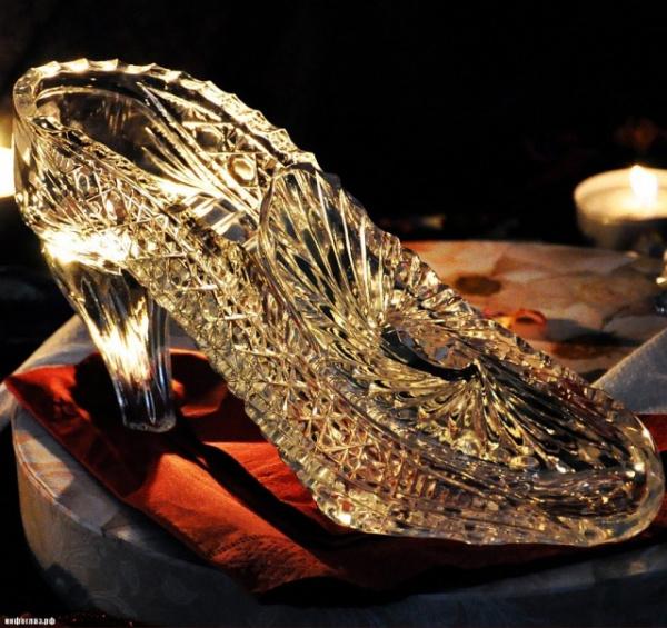 Интересное: Почему у Золушки именно хрустальные туфельки?