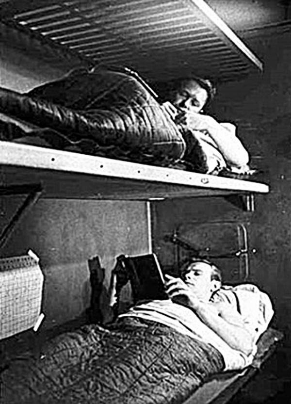 История: Как в СССР проходил жёсткий секретный эксперимент: *Трое в звездолете*