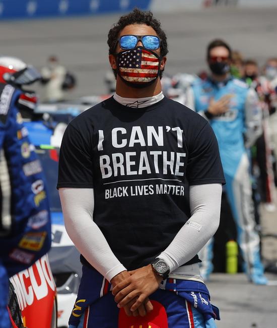 Безумный мир: На днях стало известно о мерзкой расистской выходке, случившейся в США