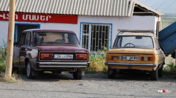 Новости: В России началась операция по *отлову* автомобилей с иностранными номерами