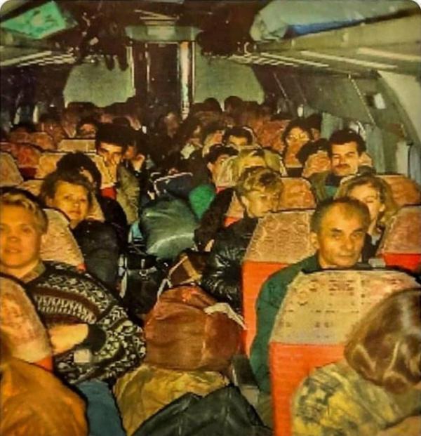 Блог djamix: Челноки в салоне Ту–134. 1992 год