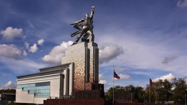 Интересное: *Рабочий и колхозница*: как возводили символ советской эпохи и что спрятано под ним?