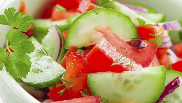 Здоровье: Кто сказал, что помидоры нельзя есть с огурцами?