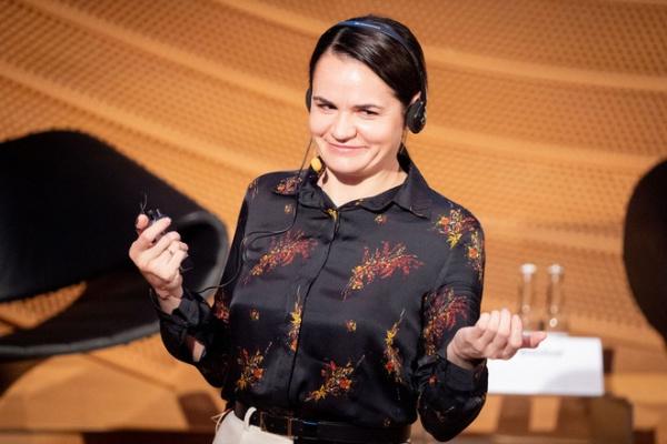 Белоруссия: Иудушка  Тихановская предлагает отключить Белоруссию от SWIFT