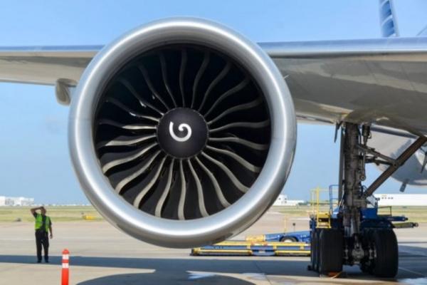 Интересное: Для чего на самолетных турбинах рисуют спирали?