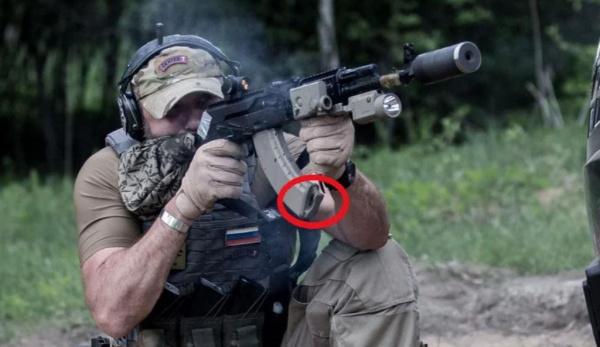 Война: Зачем спецназ вешает странные петли на магазины