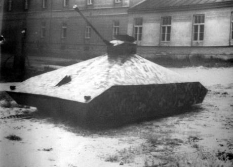 Интересное: Как чех построил танк, что бы убежать на Запад