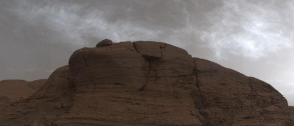 Природа: Марсоход Curiosity сфотографировал марсианские облака