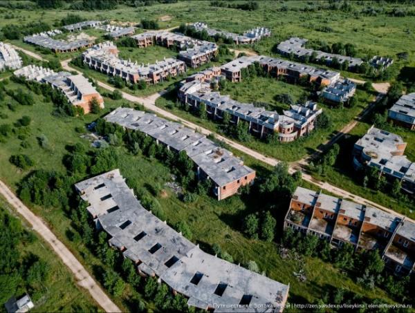 Криминал: Пять эпичных заброшенных коттеджных посёлков рядом с Москвой