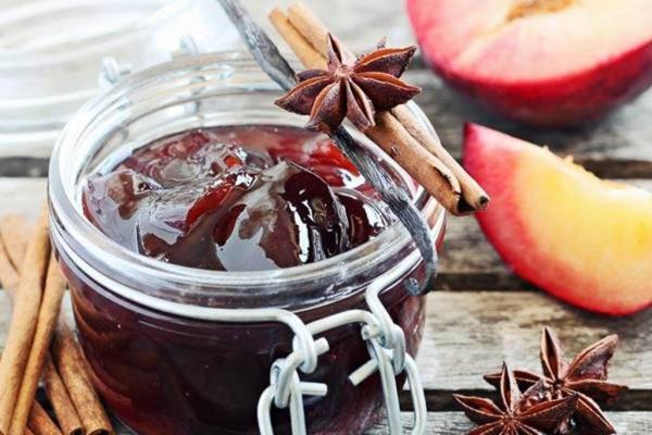 Полезные советы: Пряное варенье из слив с яблоками