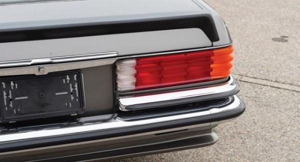 Интересное: Почему старые Mercedes-ы имели ребристые задние фонари?