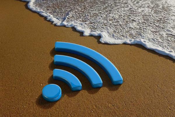 На пляжах Сочи и Адлера запустили бесплатный Wi-Fi