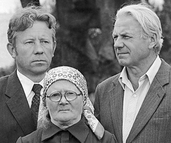 История: Хатынь: палачи и свидетели