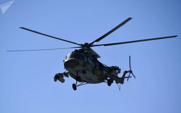 Происшествия: Восемь человек могли остаться внутри вертолета Ми-8, утонувшего на Камчатке
