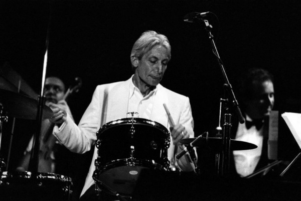 Личность: Умер Чарли Уоттс — барабанщик The Rolling Stones