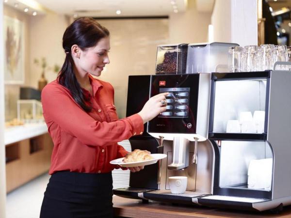 Рекламные материалы: Хотите взять кофемашину в аренду?