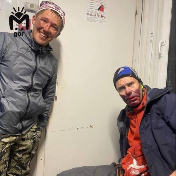 Происшествия: Так выглядят лица туристов, которых сняли с высоты 5350 метров на Эльбрусе