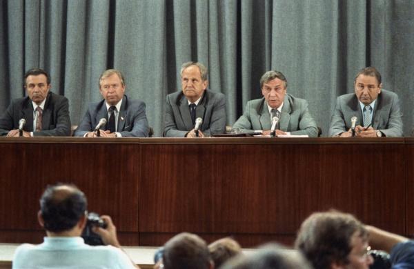История: Унижение, смерть и забвение: как сложились судьбы членов ГКЧП после провала путча в 1991 году.