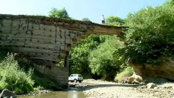 Интересное: Деревянный мост в Дагестане, построенный без гвоздей
