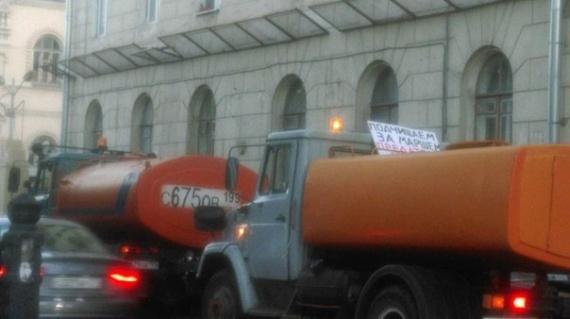 Блог Phake: В след за маршем мира в Москве прошли поливалки...