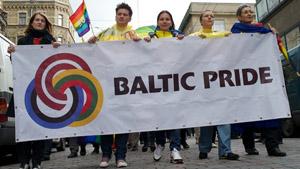 Политика: Латвия стала фронтом борьбы....