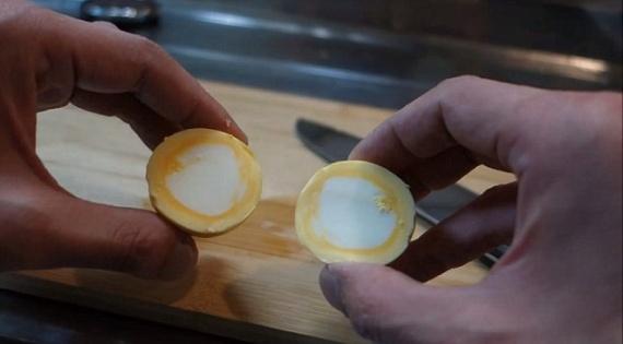Интересное: Как сварить яйцо желтком наружу