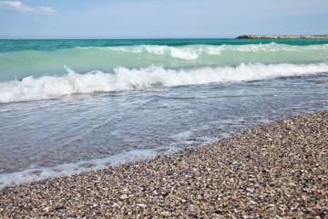 Море в Адлере почти 30 градусов:-)