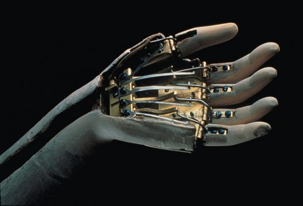 Интересное: Робот возорастом 250 лет