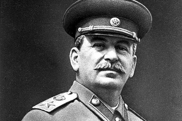 Общество: Сталин - самый выдающийся человек нашей истории