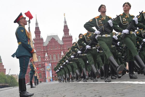 Общество: Парад Победы пройдет 24 июня