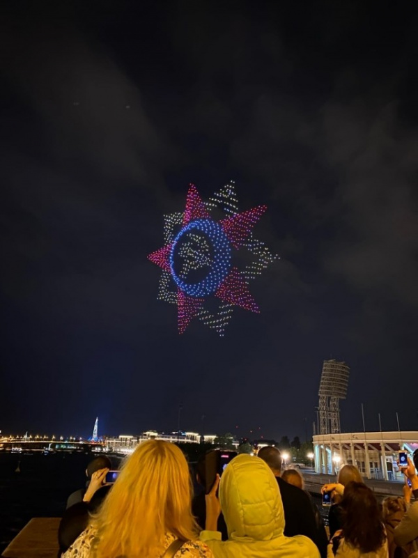 Интересное: На шоу беспилотников в Петербурге побит мировой рекорд