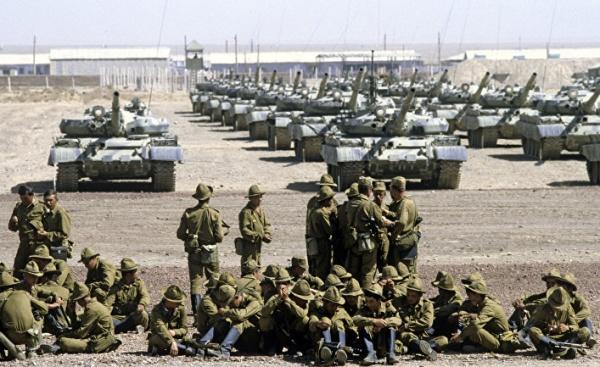 Война: Жизнь: Сегодня была война: 25 декабря 1979 года советские войска вошли в Афганистан