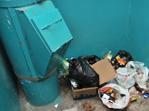 Происшествия: Житель Красноярска «прочистил» мусоропровод бензином