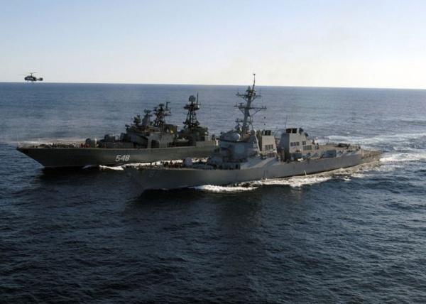 Интересное: Почему рядом плывущие корабли притягиваются друг к другу?