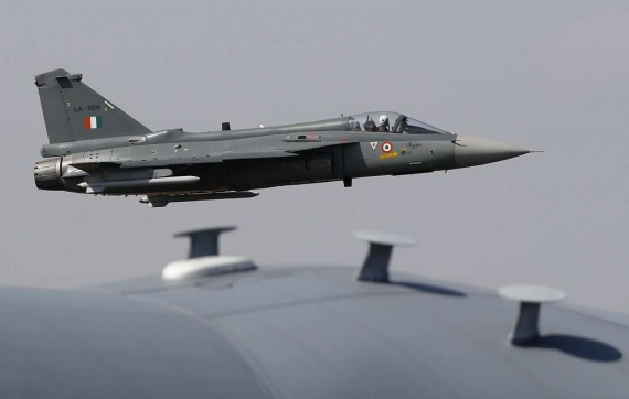 Война: ВВС Пакистана сбили два индийских самолета