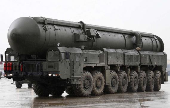 Война: Платформа-О (высокомобильное шасси)  для Тополей и Ярсов приняты на вооружение. Изготовил Камаз