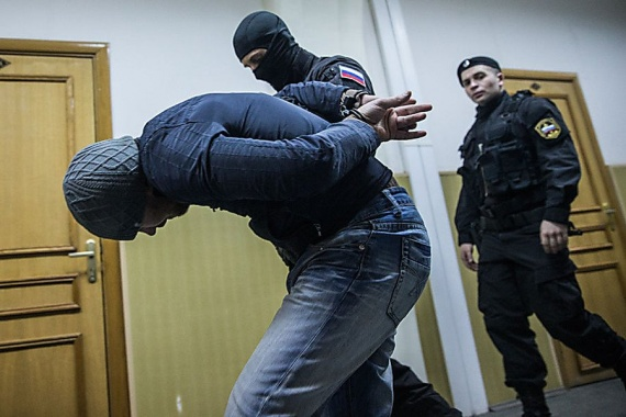 Криминал: Воры в законе массово бегут из России